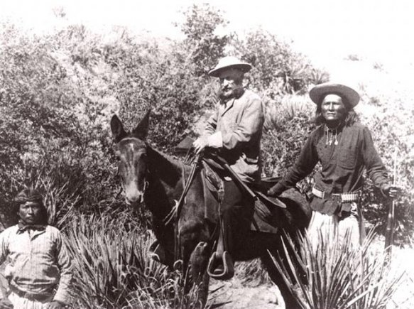 Alchesay, right, was a key scout for General George Crook.