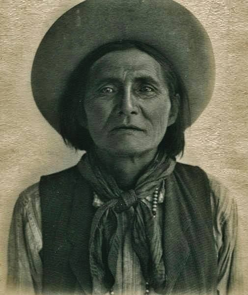Alchesay became Chief of the White Mountain Apache.